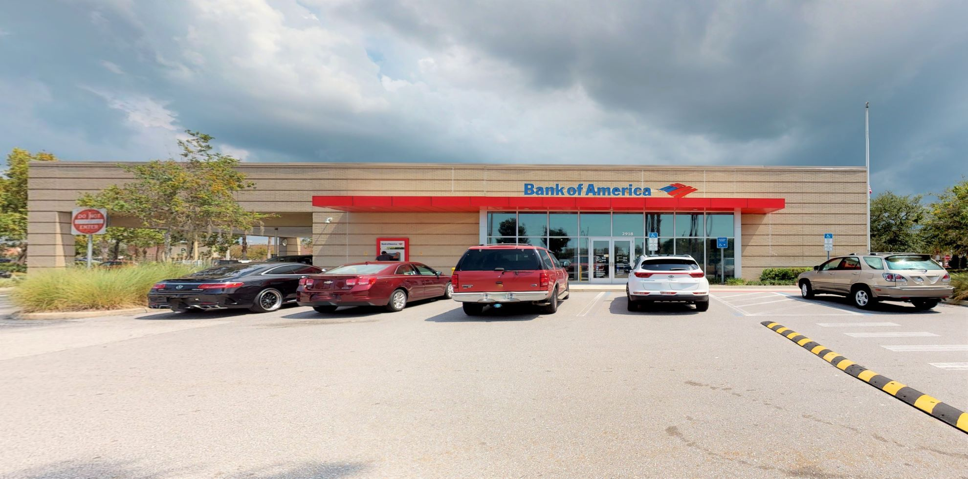 Bank of America financial center with drive-thru ATM and teller | 2918 Little Rd, Trinity, FL 34655
