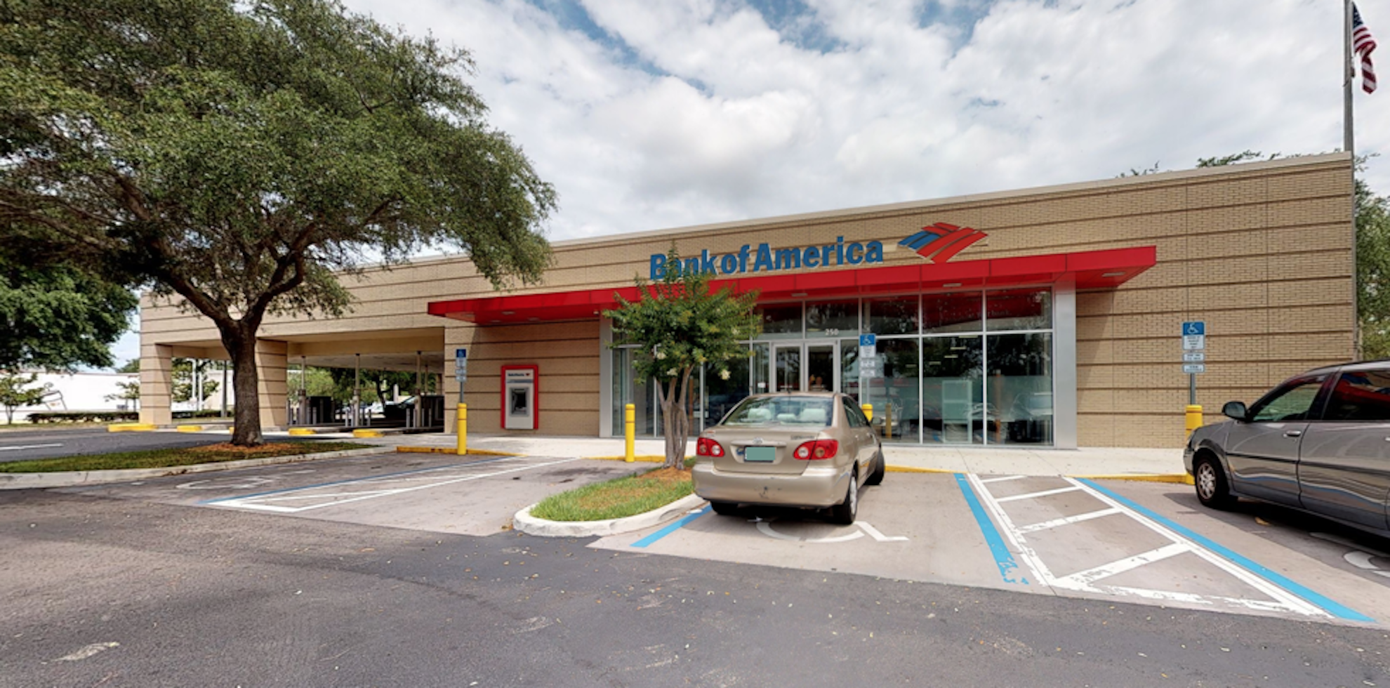 Bank of America financial center with drive-thru ATM and teller | 250 E Bearss Ave, Tampa, FL 33613