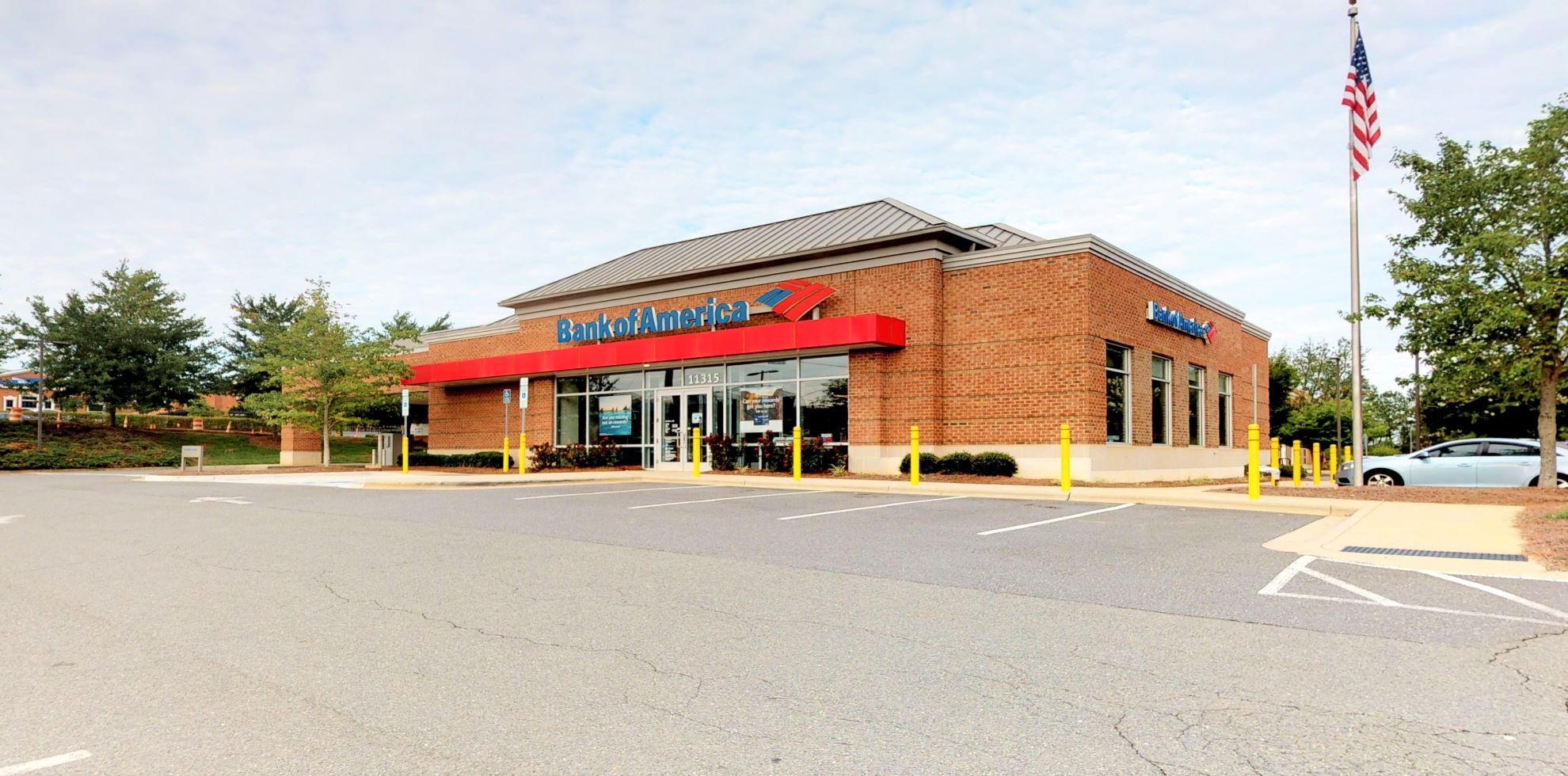 Bank of America financial center with drive-thru ATM | 11315 Golf Links Dr N, Charlotte, NC 28277