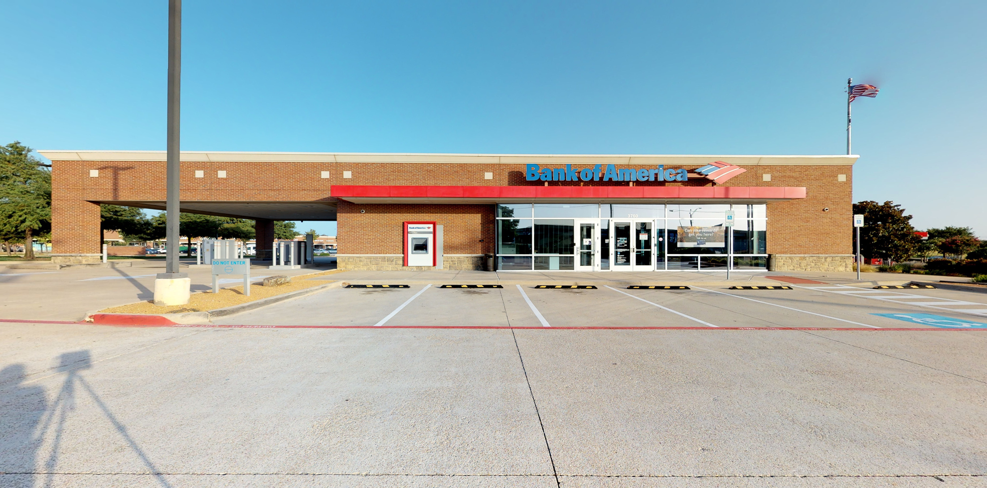 Bank of America financial center with drive-thru ATM | 3760 Highway 121, Plano, TX 75025