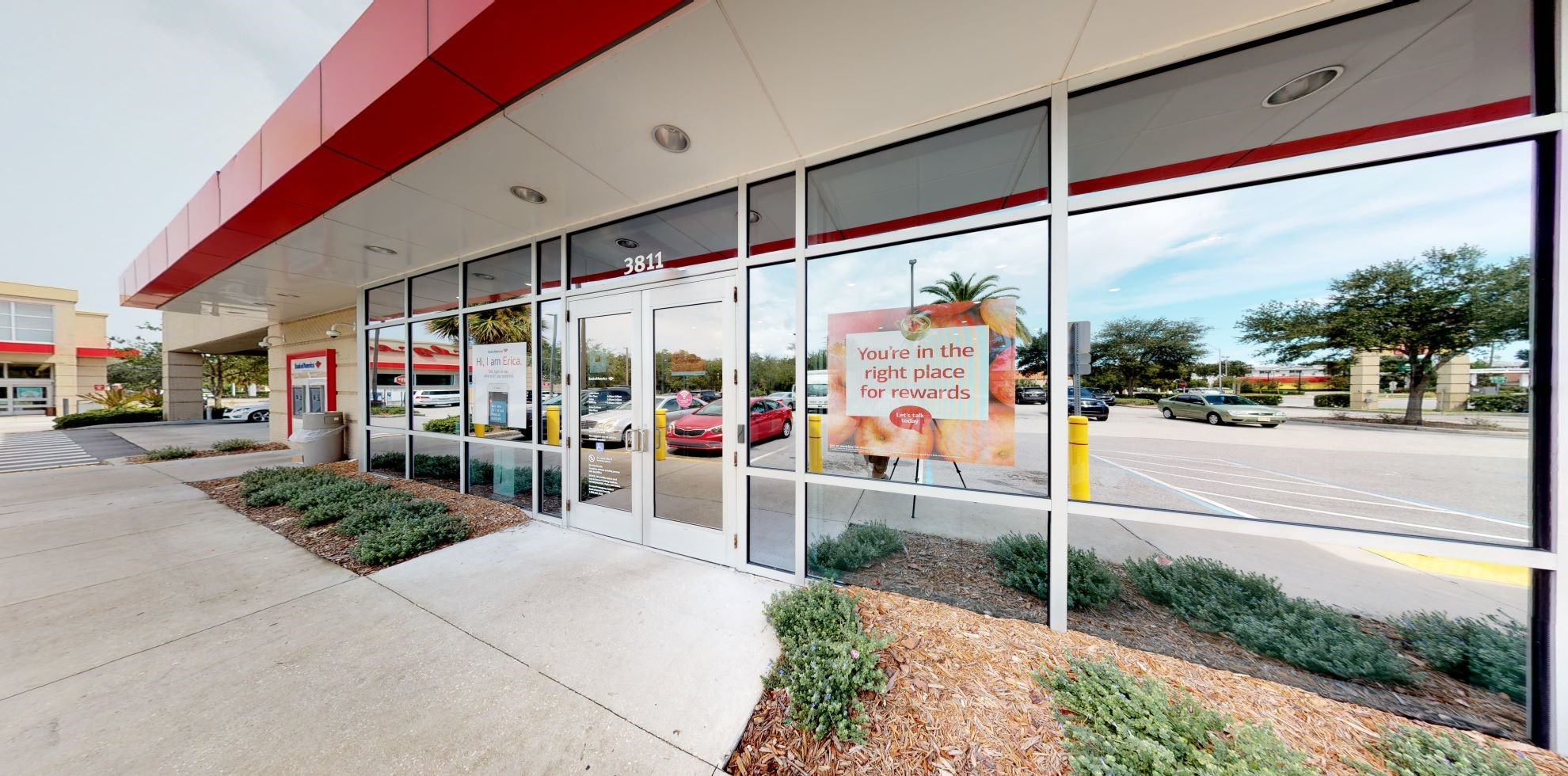 Bank of America financial center with drive-thru ATM and teller | 3811 4th St N, Saint Petersburg, FL 33703