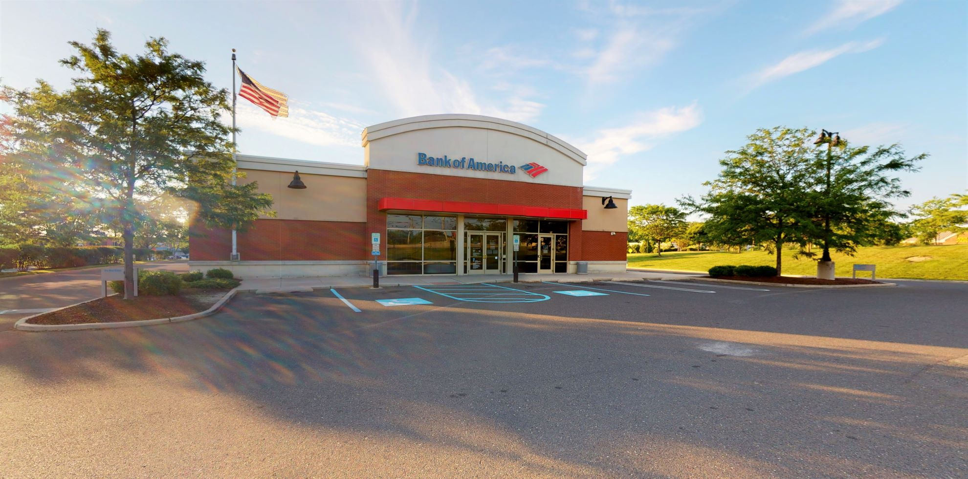 Bank of America financial center with drive-thru ATM | 139 Route 130 S, Cinnaminson, NJ 08077