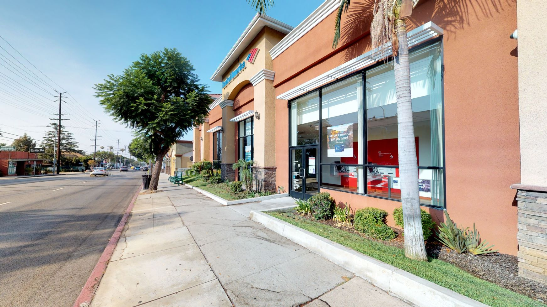 Bank of America financial center with walk-up ATM | 4510 Franklin Ave, Los Angeles, CA 90027
