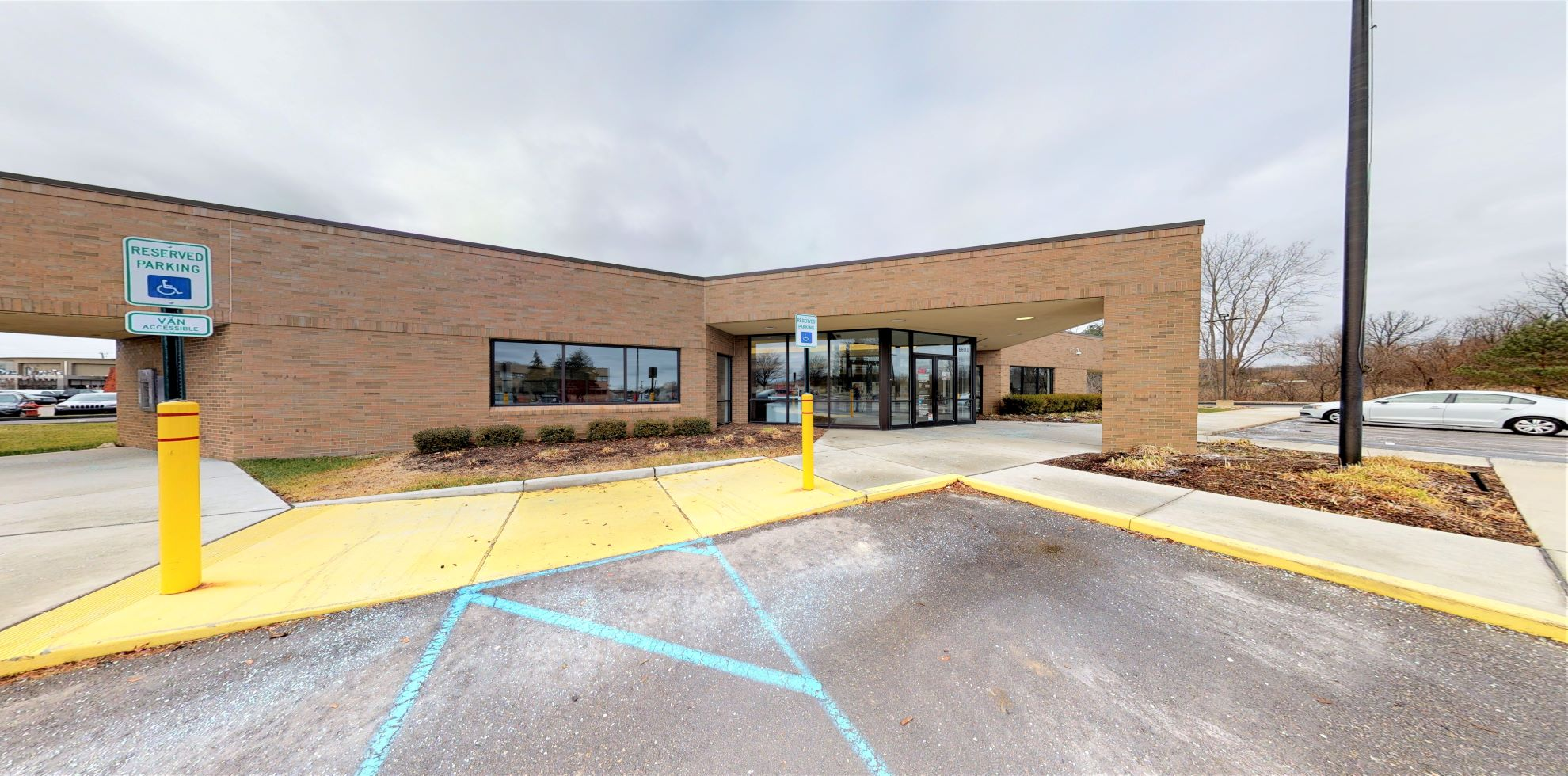 Bank of America financial center with drive-thru ATM | 6800 N Rochester Rd, Rochester Hills, MI 48306
