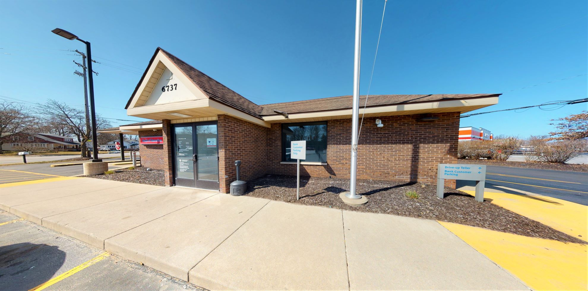 Bank of America financial center with drive-thru ATM and teller   6737 Division Ave S, Grand Rapids, MI 49548