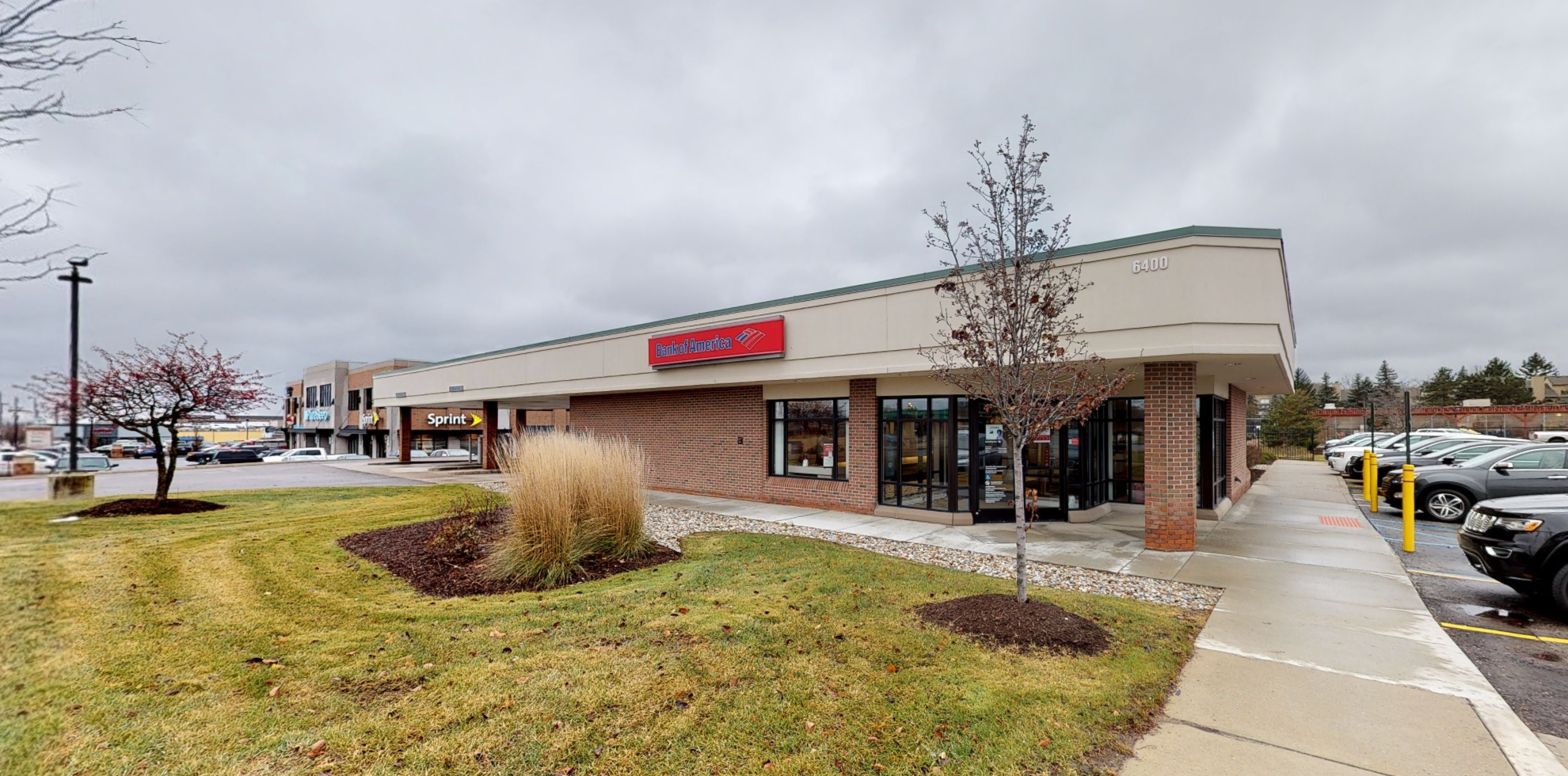 Bank of America financial center with drive-thru ATM | 6400 Orchard Lake Rd, West Bloomfield, MI 48322