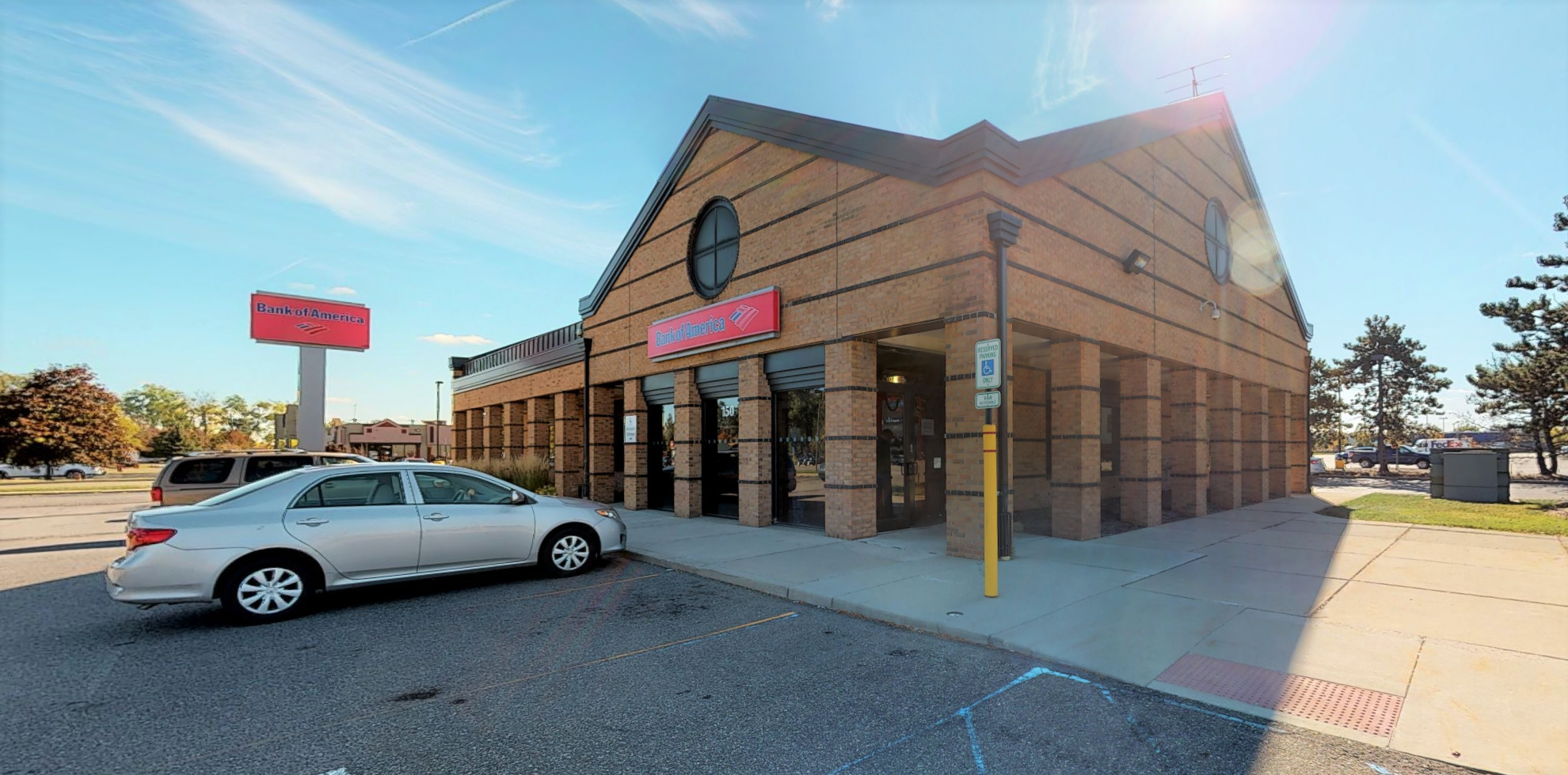 Bank of America financial center with drive-thru ATM | 150 E Maple Rd, Troy, MI 48083
