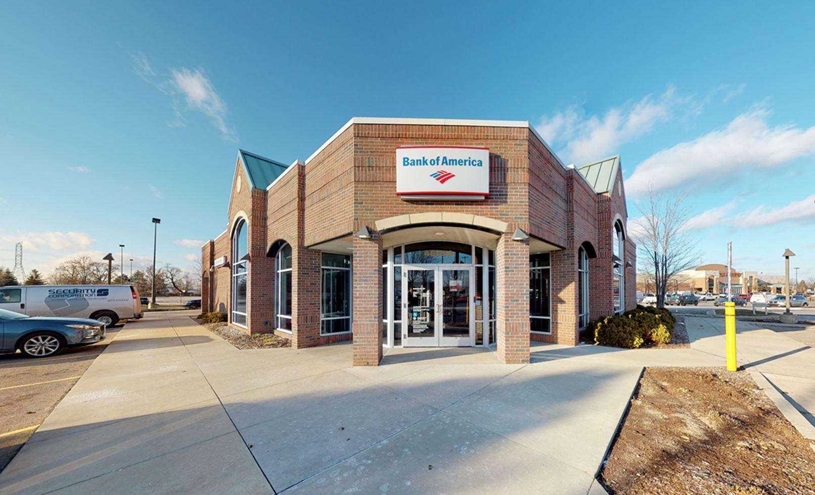 Bank of America financial center with drive-thru ATM | 48050 Grand River Ave, Novi, MI 48374