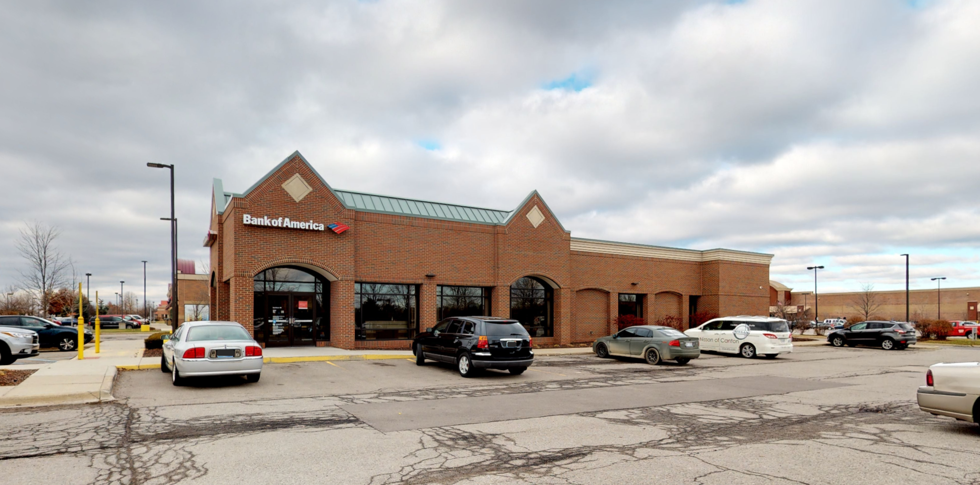 Bank of America financial center with drive-thru ATM   45850 Michigan Ave, Canton, MI 48188