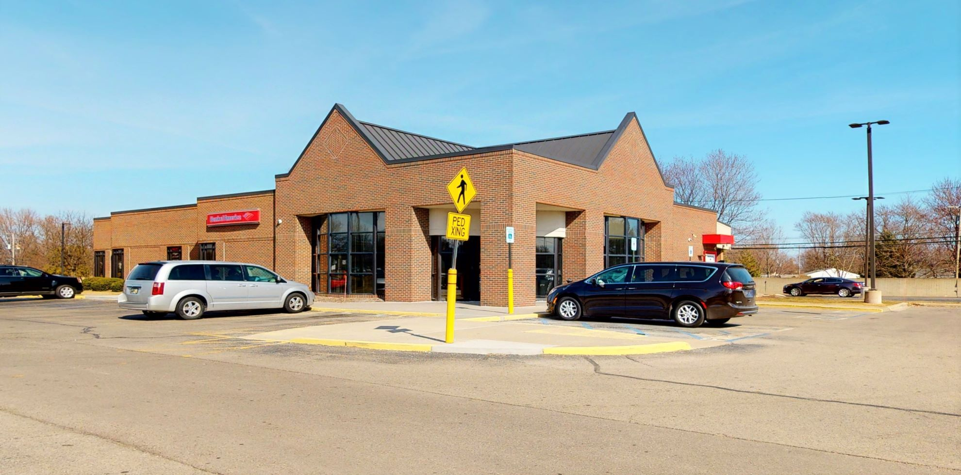 Bank of America financial center with drive-thru ATM | 37370 S Gratiot Ave, Clinton Township, MI 48036