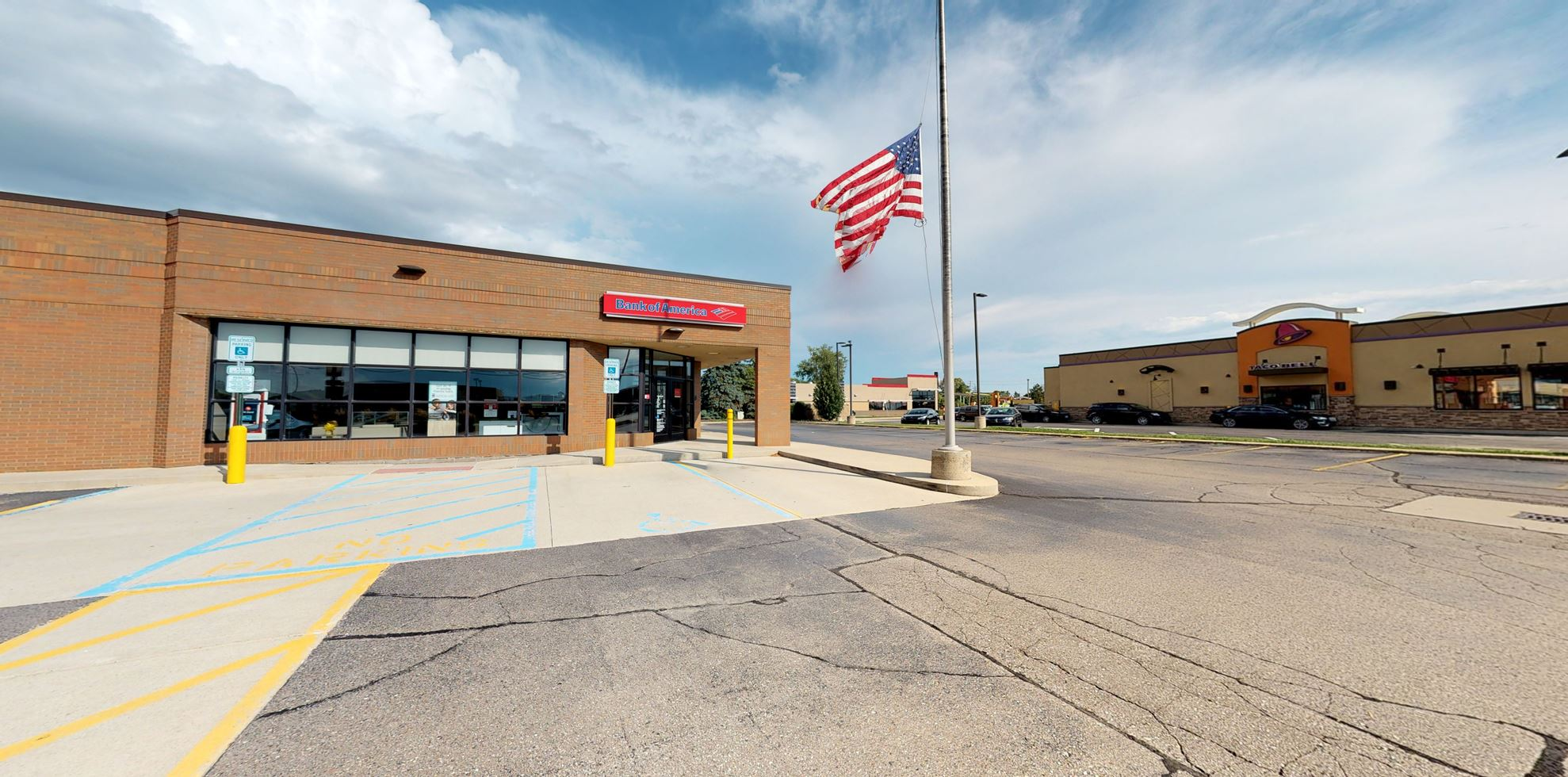 Bank of America financial center with drive-thru ATM | 45194 Romeo Plank Rd, Macomb, MI 48044