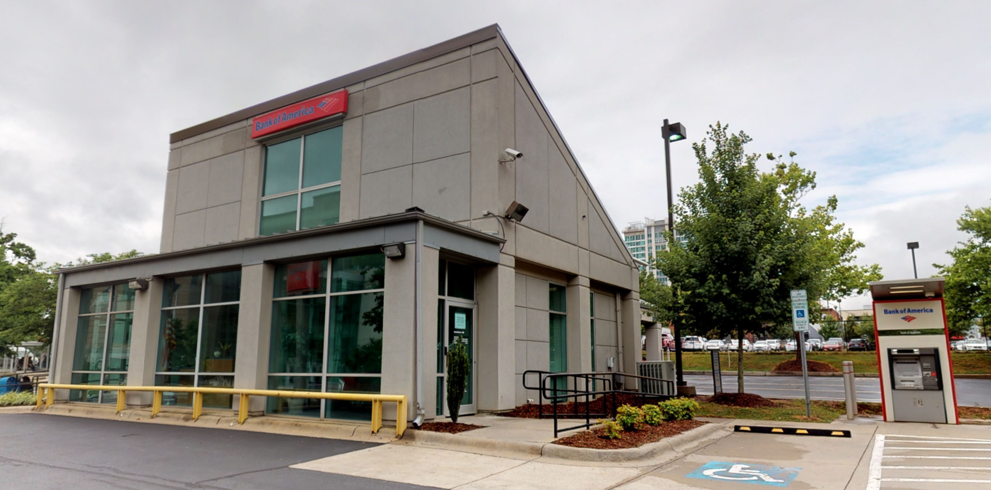 Bank of America financial center with drive-thru ATM | 162 College St, Asheville, NC 28801