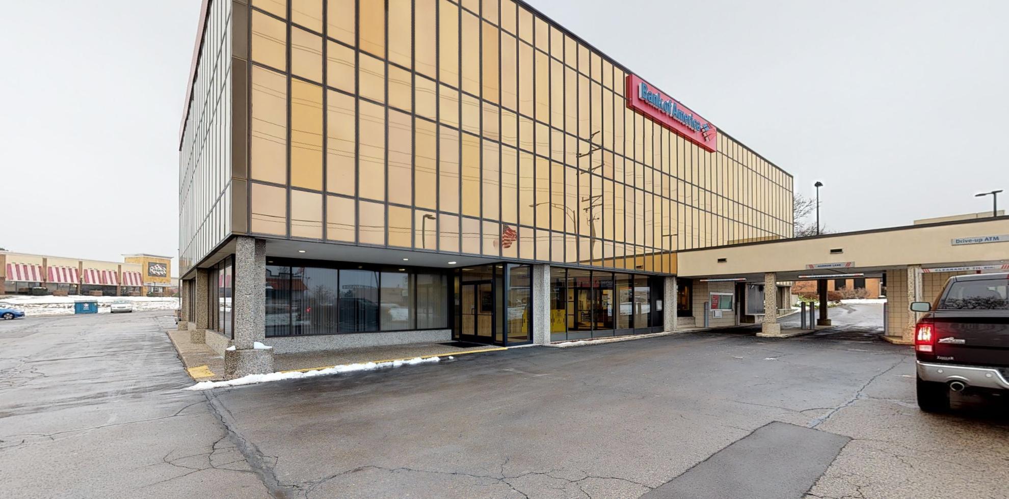 Bank of America financial center with drive-thru ATM | 2627 E Beltline Ave SE, Grand Rapids, MI 49546