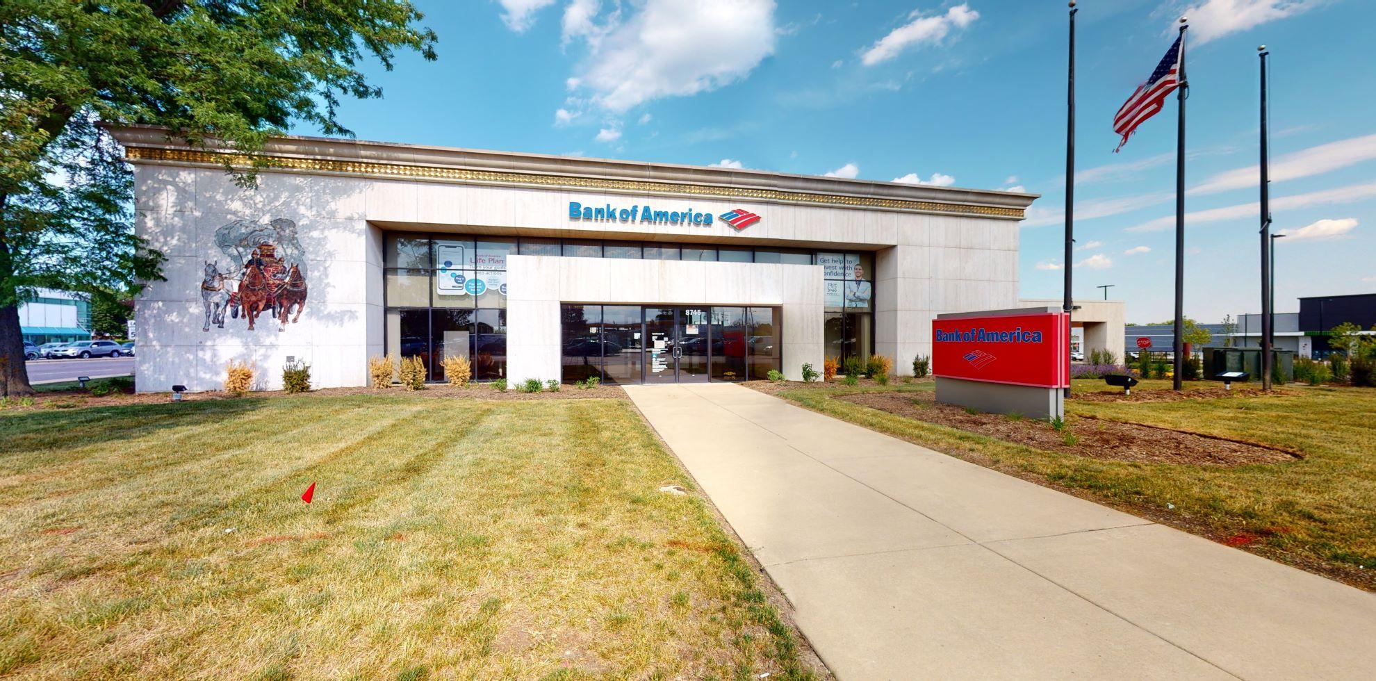 Bank of America financial center with drive-thru ATM | 8745 Waukegan Rd, Morton Grove, IL 60053