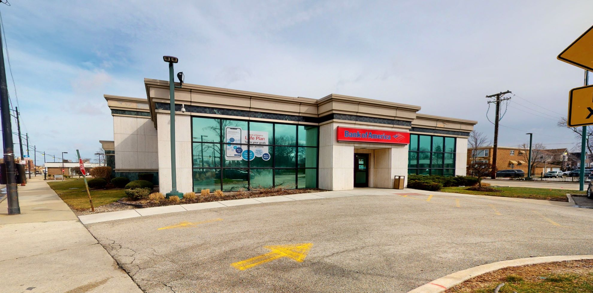 Bank of America financial center with drive-thru ATM | 6331 S Archer Ave, Chicago, IL 60638