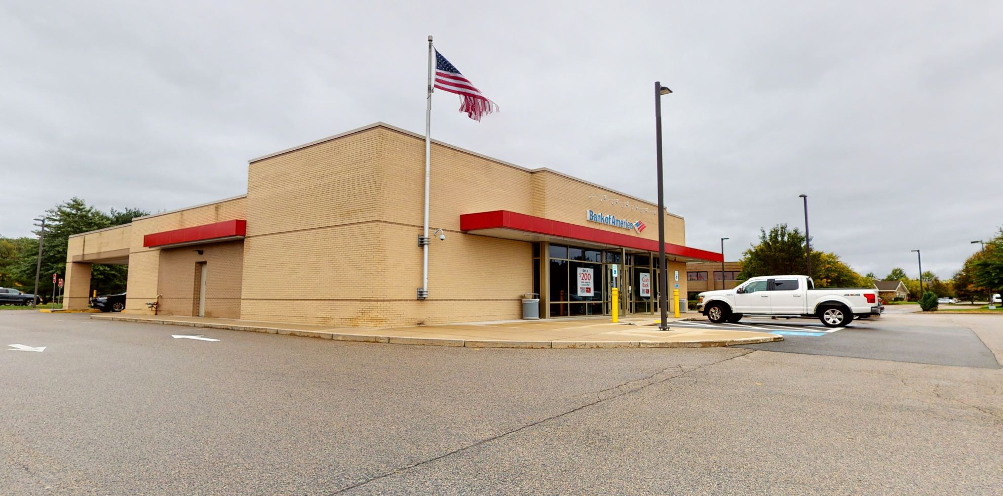 Bank of America financial center with drive-thru ATM and teller | 95 Sgt William B Terry Dr, Hingham, MA 02043