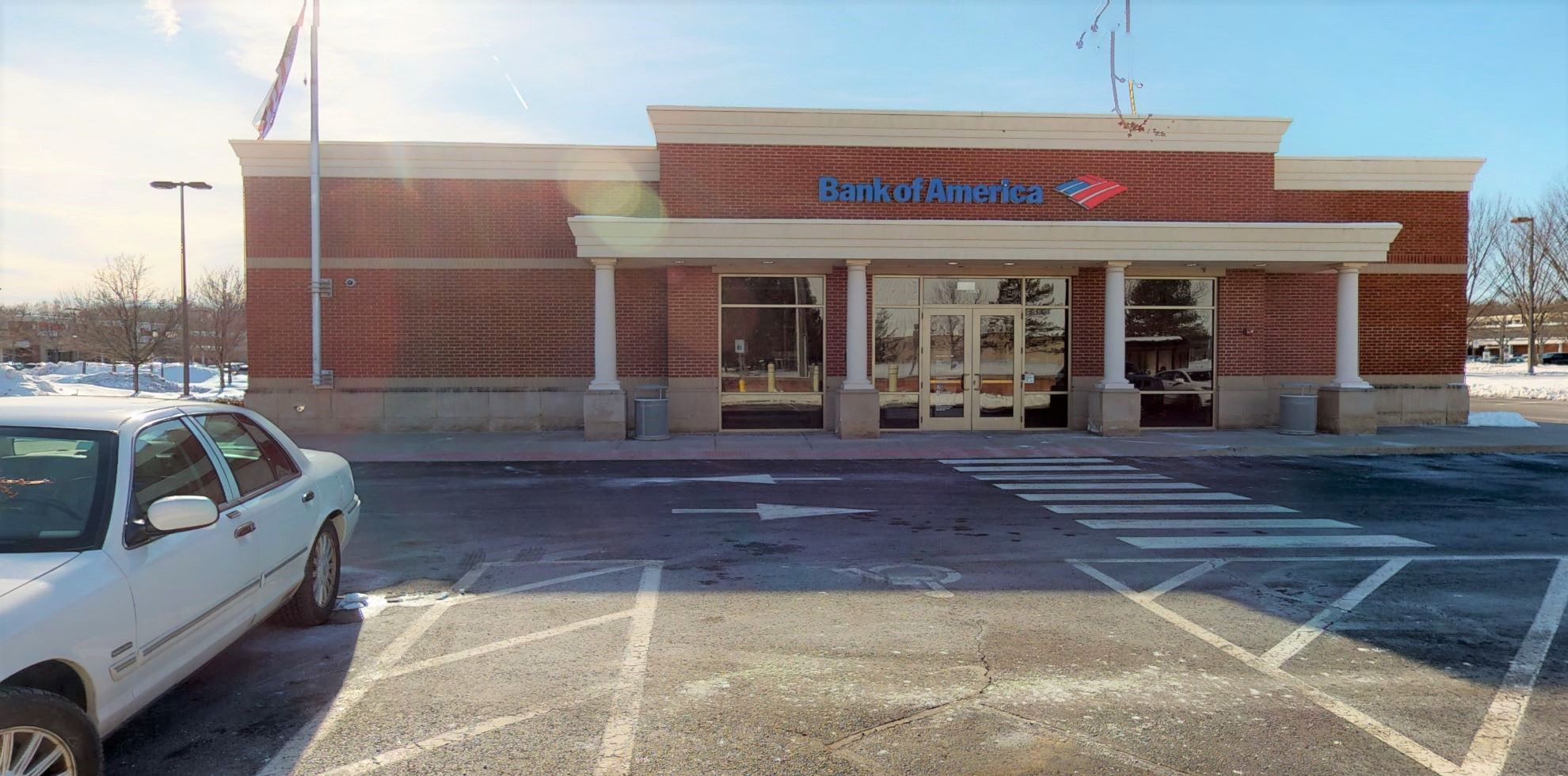 Bank of America financial center with drive-thru ATM and teller | 1045 Kennedy Rd, Windsor, CT 06095