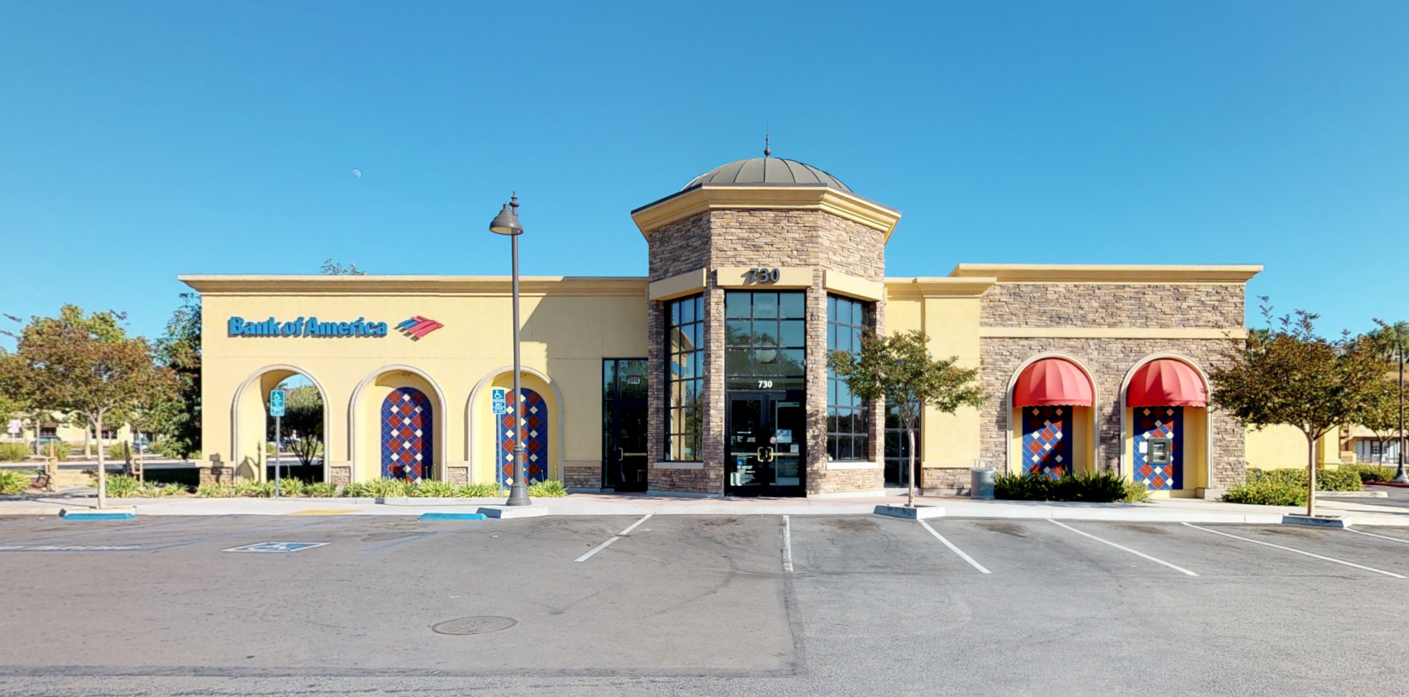 Bank of America financial center with walk-up ATM | 730 New Los Angeles Ave, Moorpark, CA 93021
