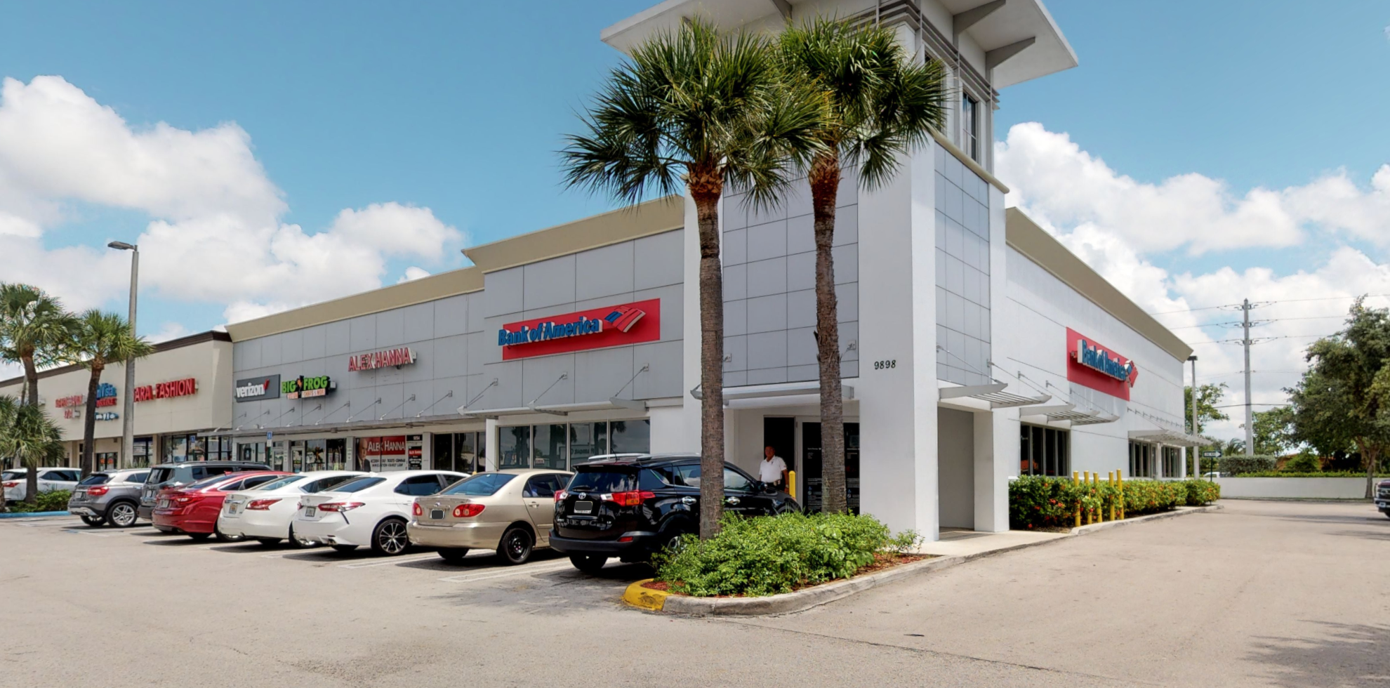 Bank of America financial center with drive-thru ATM | 9898 SW 40th St, Miami, FL 33165