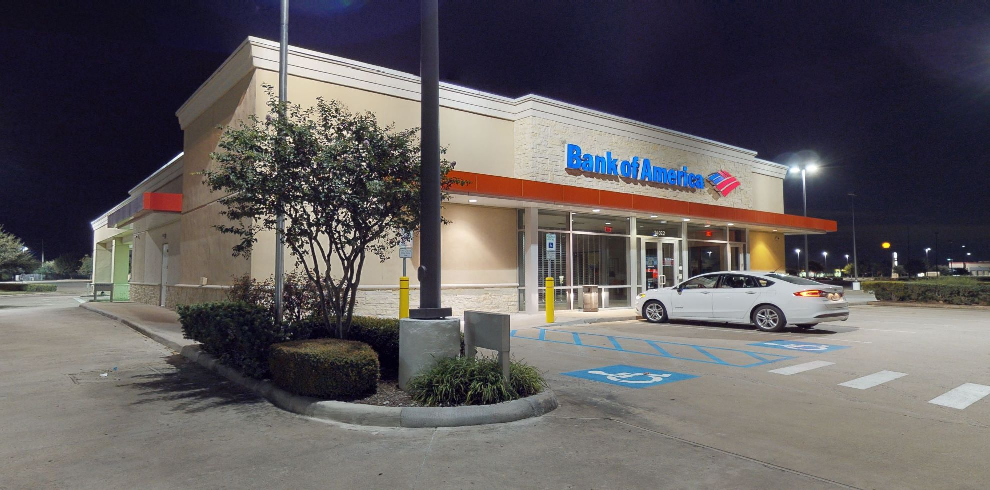 Bank of America financial center with drive-thru ATM   24022 Commercial Dr, Rosenberg, TX 77471