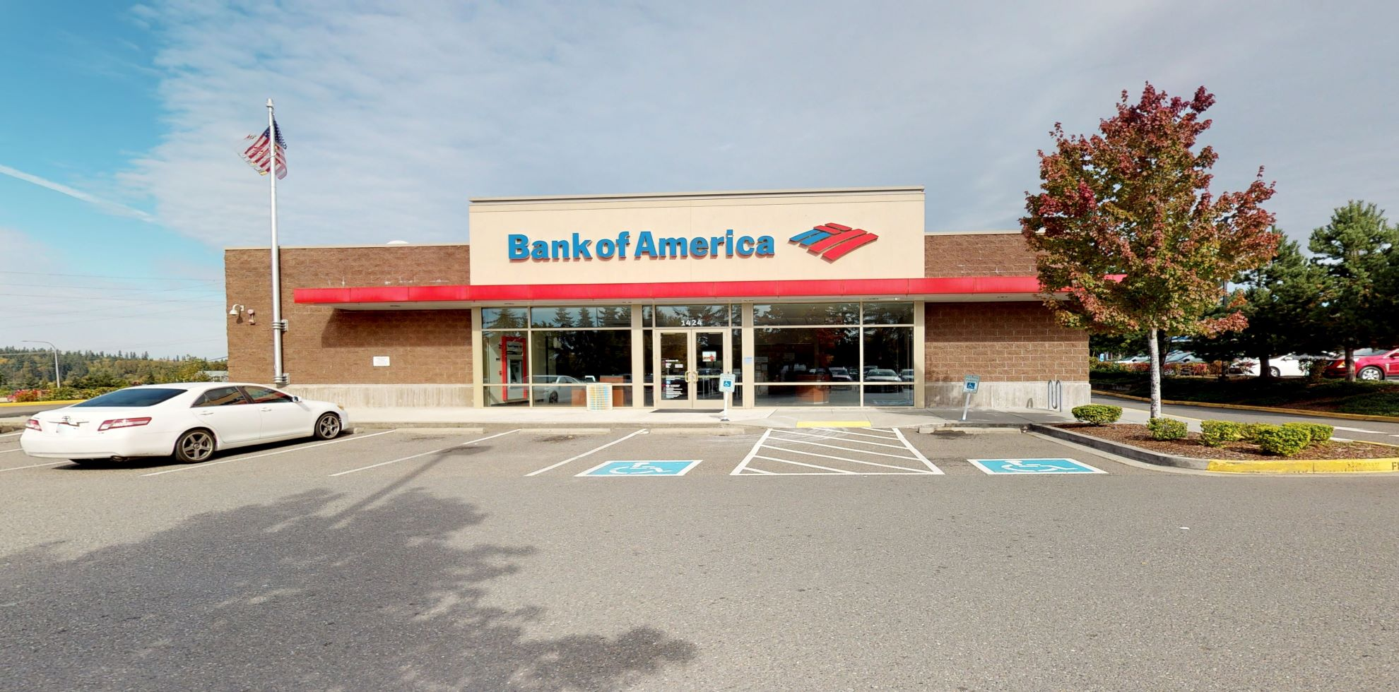 Bank of America financial center with drive-thru ATM   1424 164th St SW, Lynnwood, WA 98087