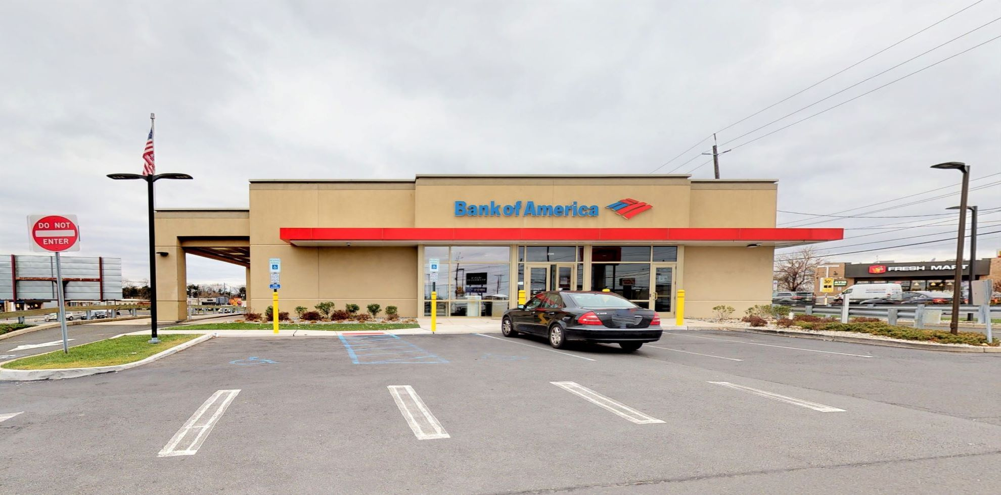 Bank of America financial center with drive-thru ATM | 2500 Route 22 Ctr, Union, NJ 07083