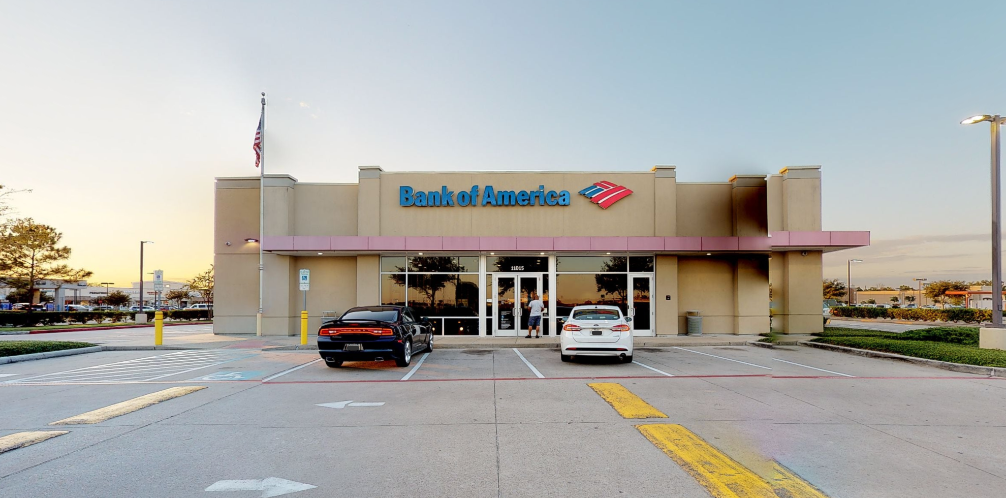 Bank of America financial center with drive-thru ATM | 11015 Shadow Creek Pkwy, Pearland, TX 77584