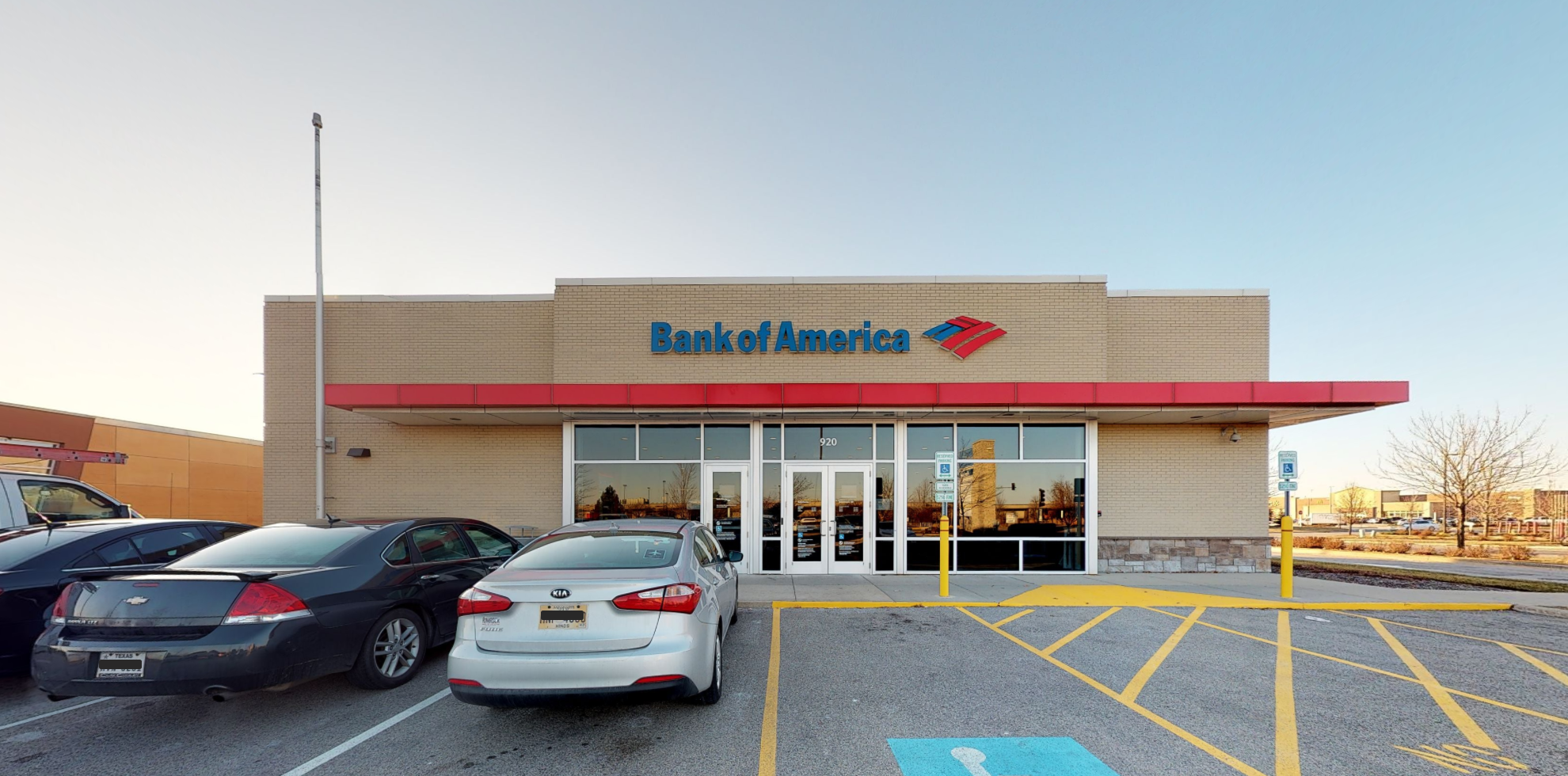 Bank of America financial center with drive-thru ATM | 920 S Waukegan Rd, Waukegan, IL 60085