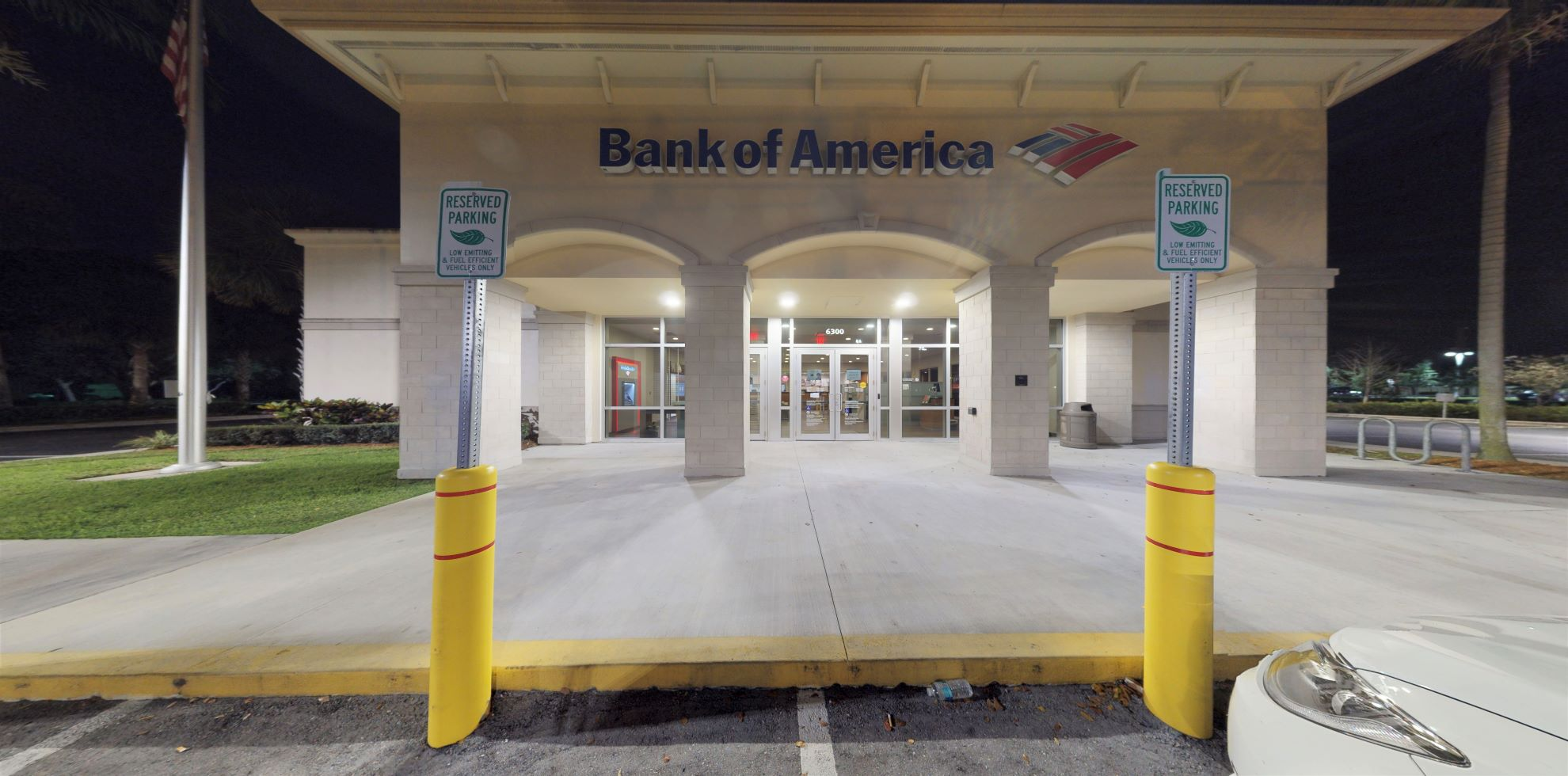 Bank of America financial center with drive-thru ATM   6300 Stirling Rd, Davie, FL 33314