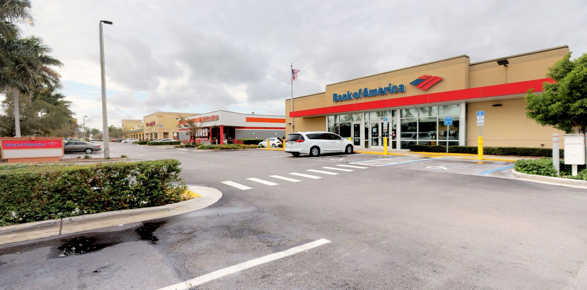Bank of America financial center with drive-thru ATM | 33450 S Dixie Hwy, Florida City, FL 33034