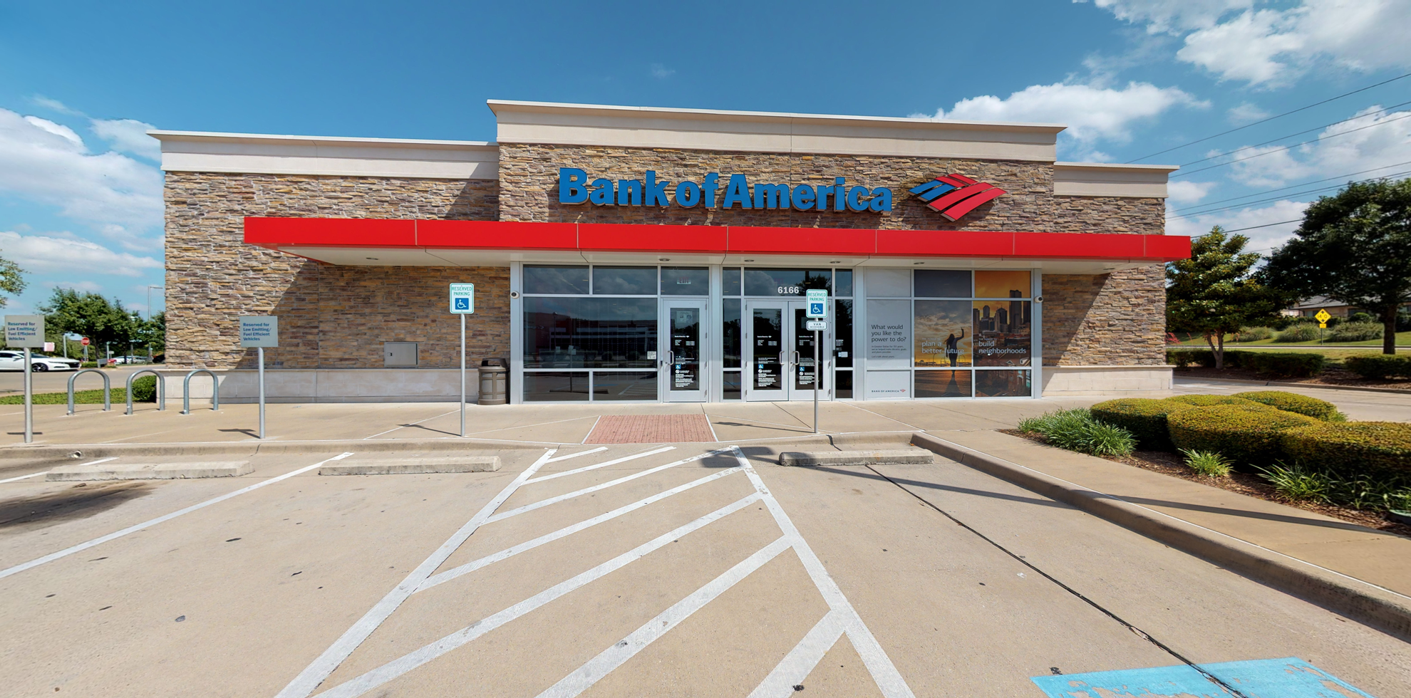 Bank of America financial center with drive-thru ATM | 6166 Retail Rd, Dallas, TX 75231