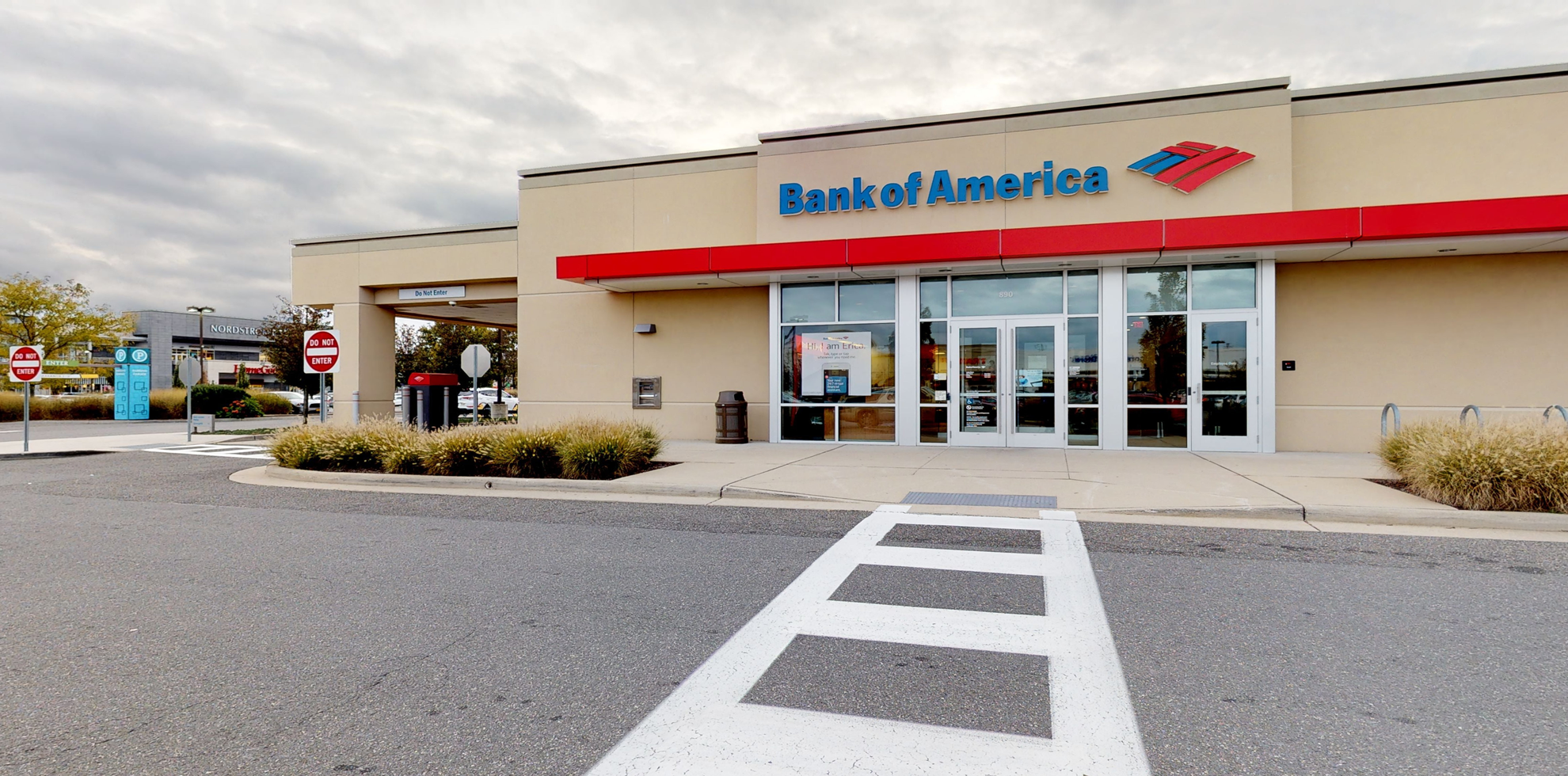Bank of America financial center with drive-thru ATM | 890 Old Country Rd, Garden City, NY 11530