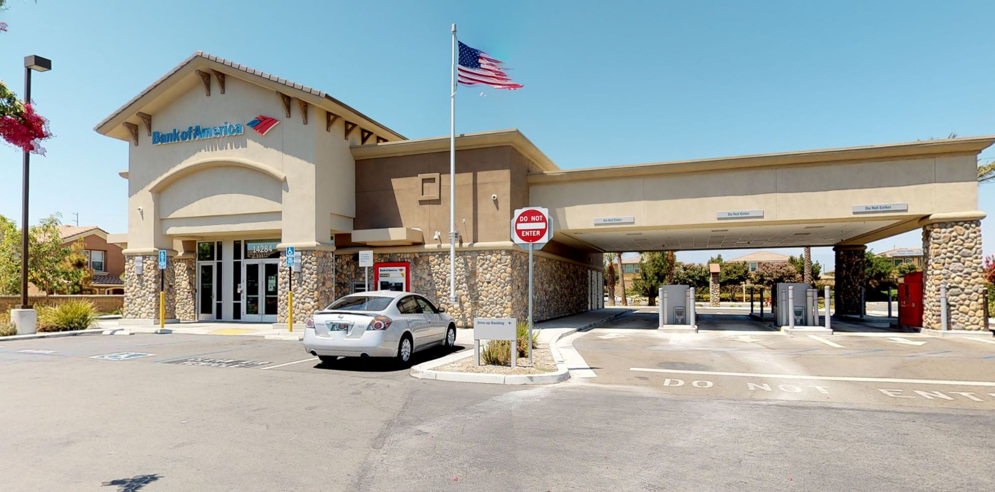 Bank of America financial center with drive-thru ATM | 14284 Schleisman Rd, Eastvale, CA 92880