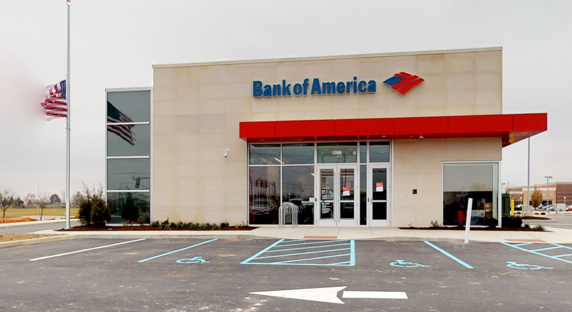 Bank of America financial center with drive-thru ATM   9770 E 116th St, Fishers, IN 46037