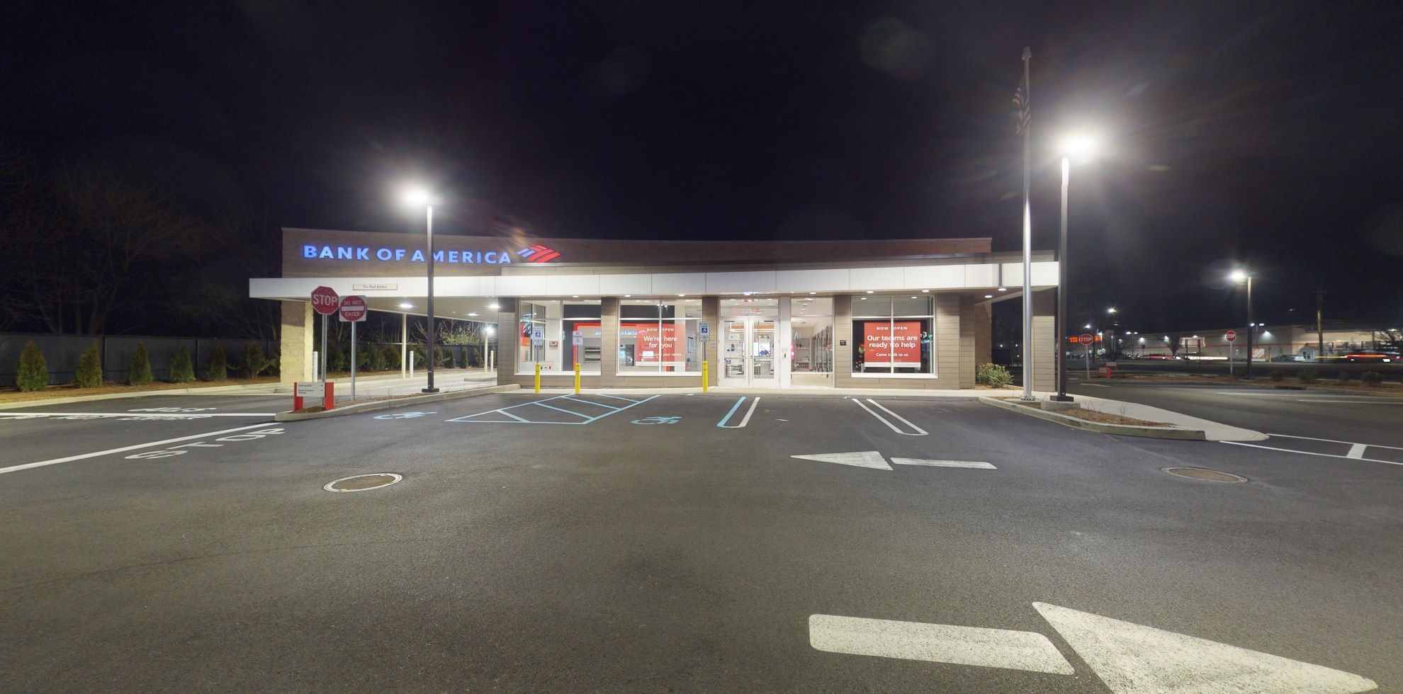 Bank of America financial center with drive-thru ATM | 3287 Hempstead Tpke, Levittown, NY 11756