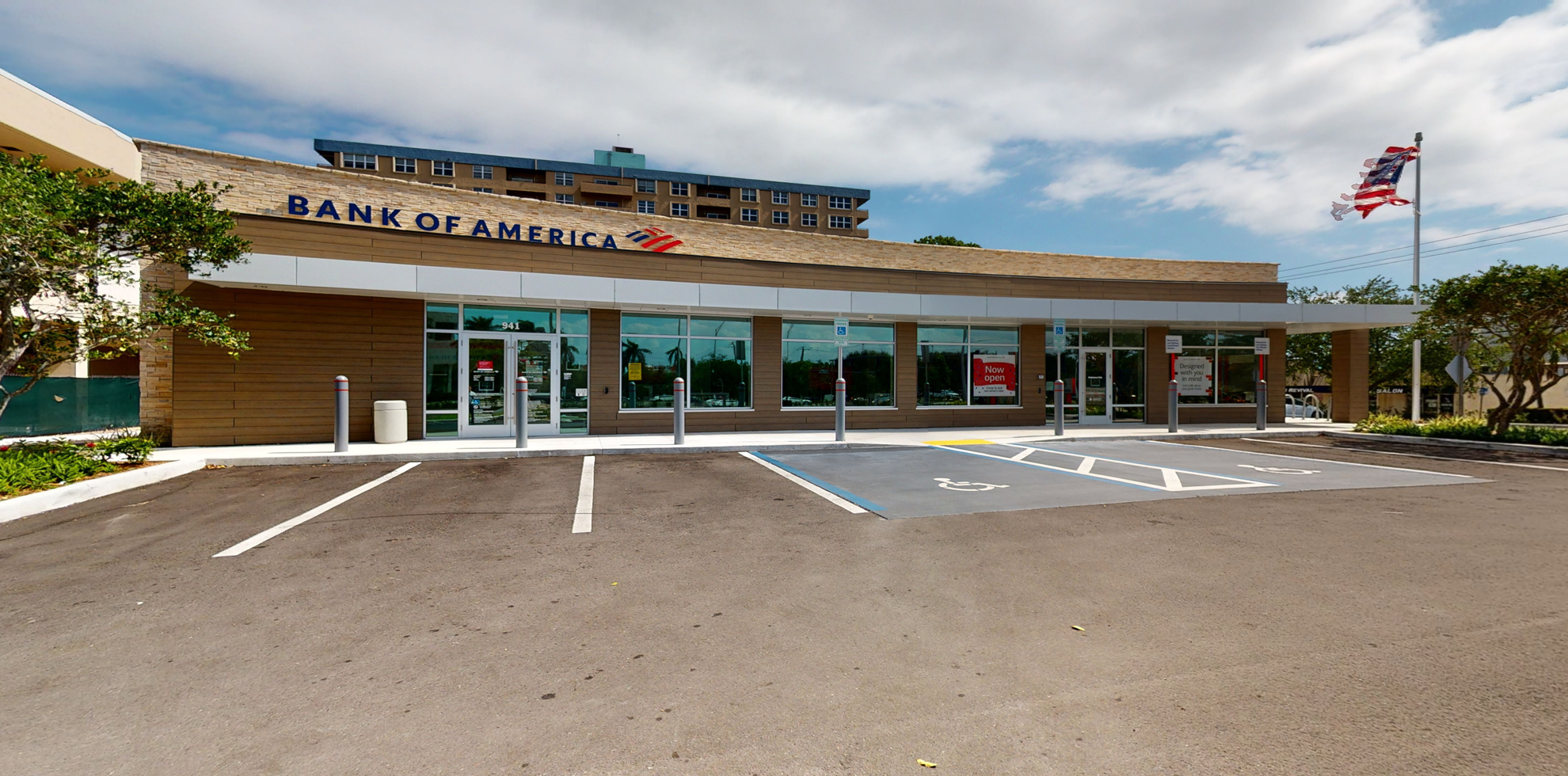 Bank of America financial center with drive-thru ATM | 941 SE 17th St, Fort Lauderdale, FL 33316