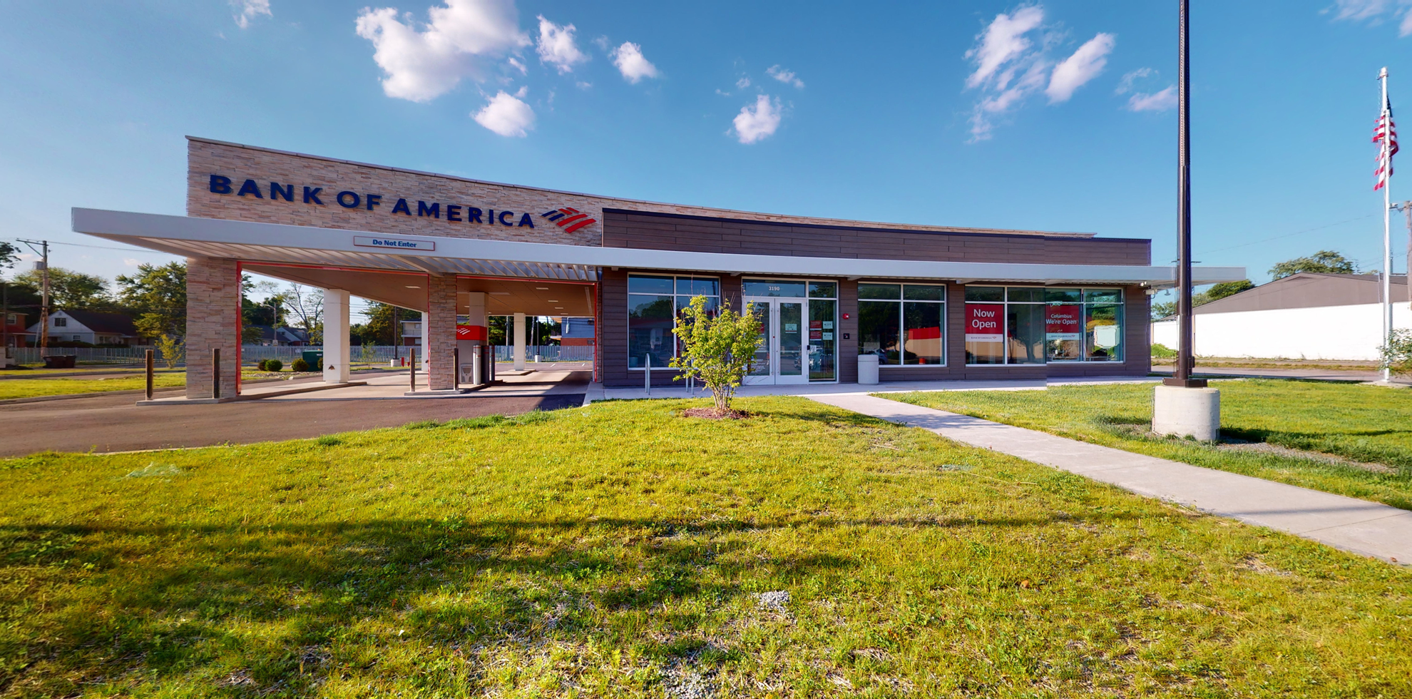 Bank of America financial center with drive-thru ATM | 3180 E Main St, Columbus, OH 43213