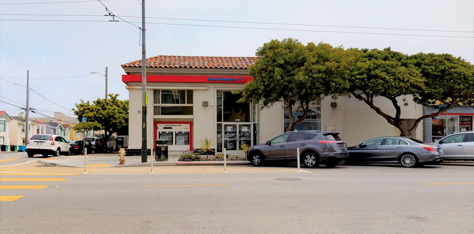 Bank of America financial center with walk-up ATM | 3701 Balboa St, San Francisco, CA 94121