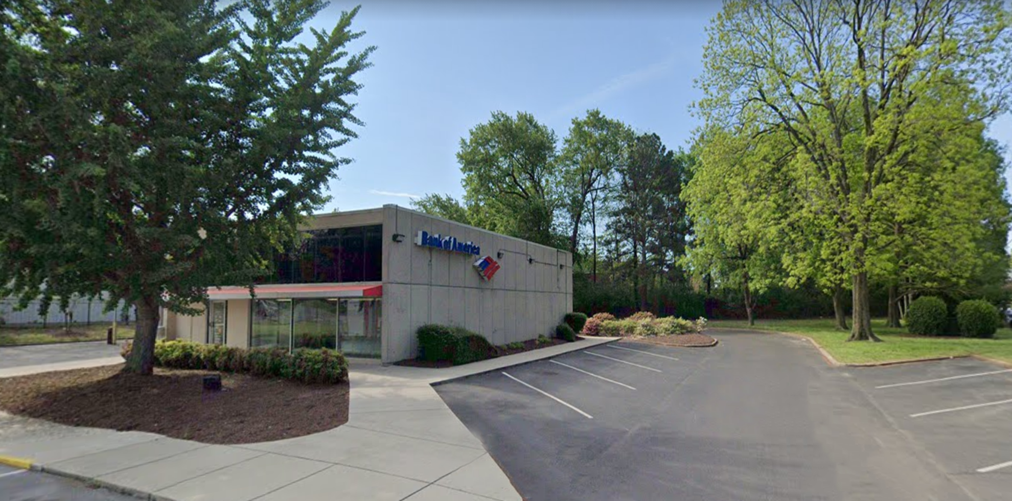 Bank of America financial center with drive-thru ATM | 3741 Winchester Rd, Memphis, TN 38118