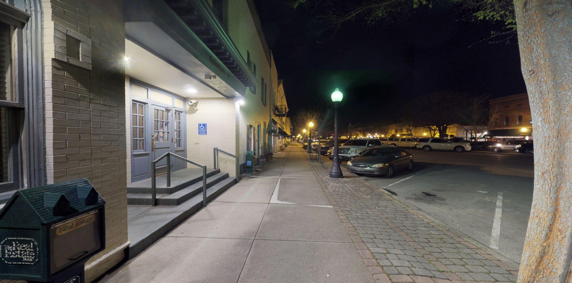 Bank of America financial center with drive-thru ATM | 167 Laurens St SW, Aiken, SC 29801