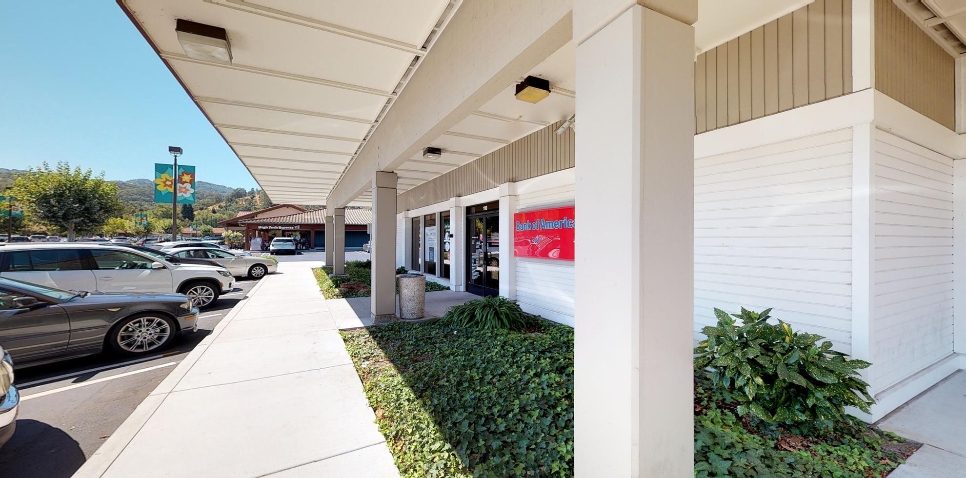 Bank of America financial center with drive-thru ATM | 110 Alamo Plz, Alamo, CA 94507