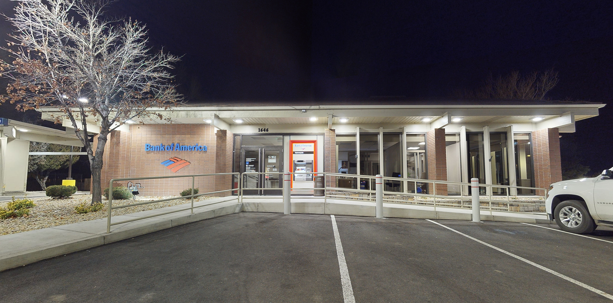 Bank of America financial center with drive-thru ATM | 1646 US Highway 395 N, Minden, NV 89423
