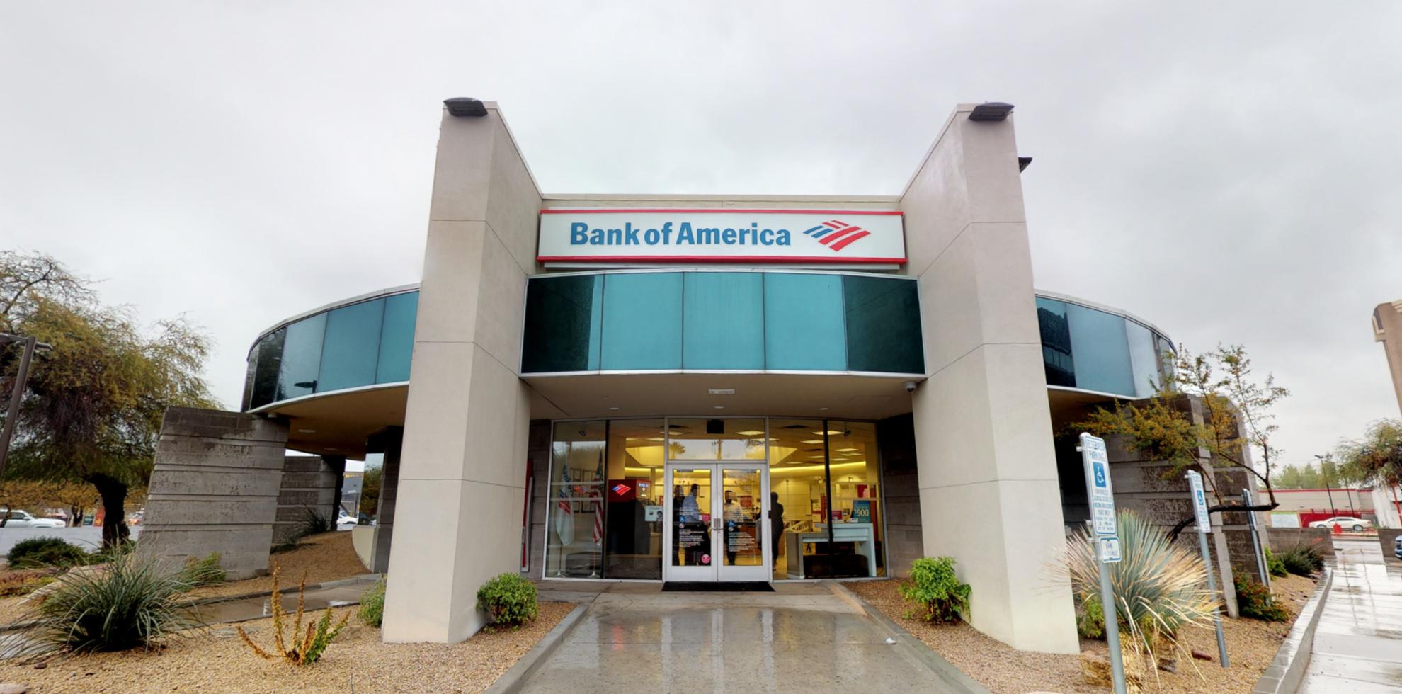 Bank of America financial center with drive-thru ATM | 2902 N 44th St, Phoenix, AZ 85018