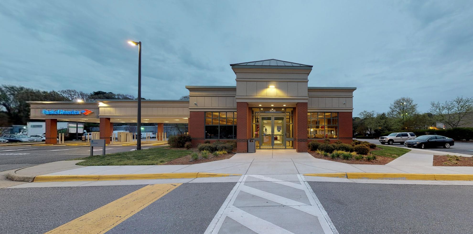 Bank of America financial center with drive-thru ATM | 608 J Clyde Morris Blvd, Newport News, VA 23601