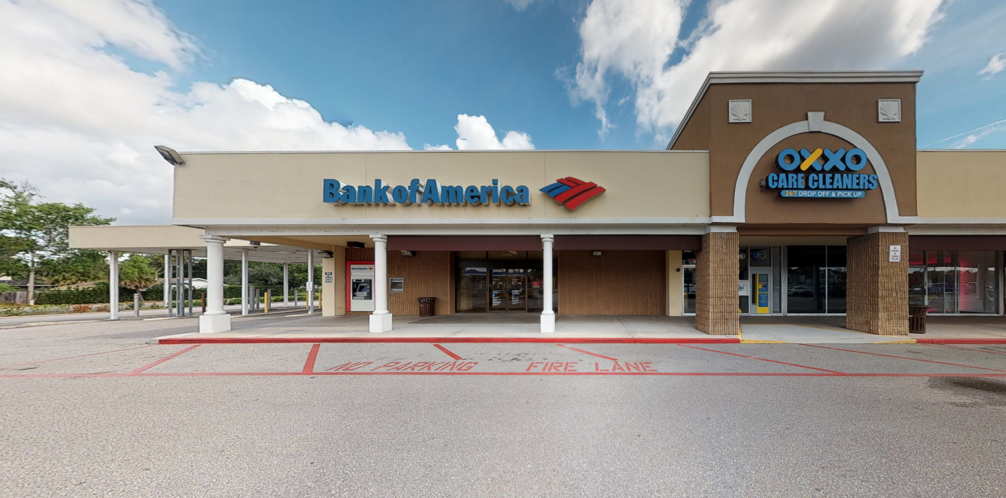 Bank of America financial center with walk-up ATM   1905 Aloma Ave, Winter Park, FL 32792