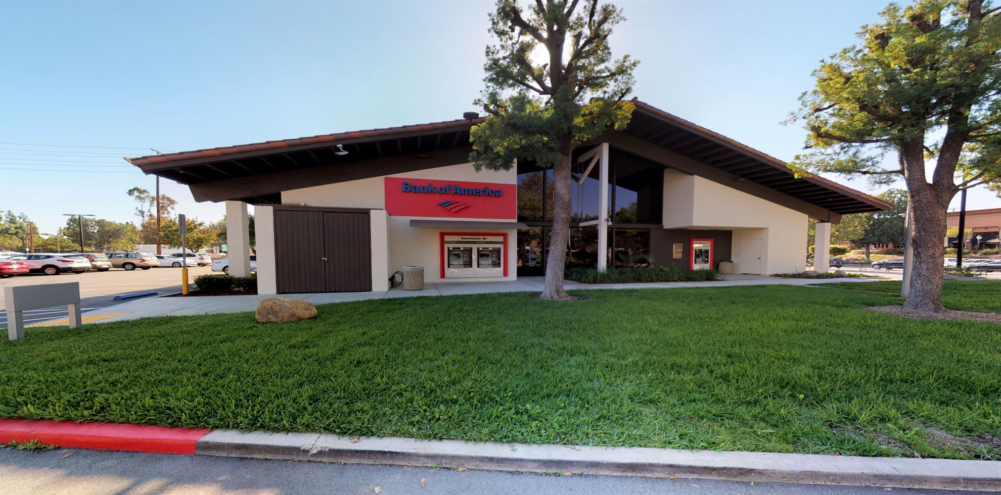 Bank of America financial center with drive-thru ATM | 290 S State College Blvd, Brea, CA 92821