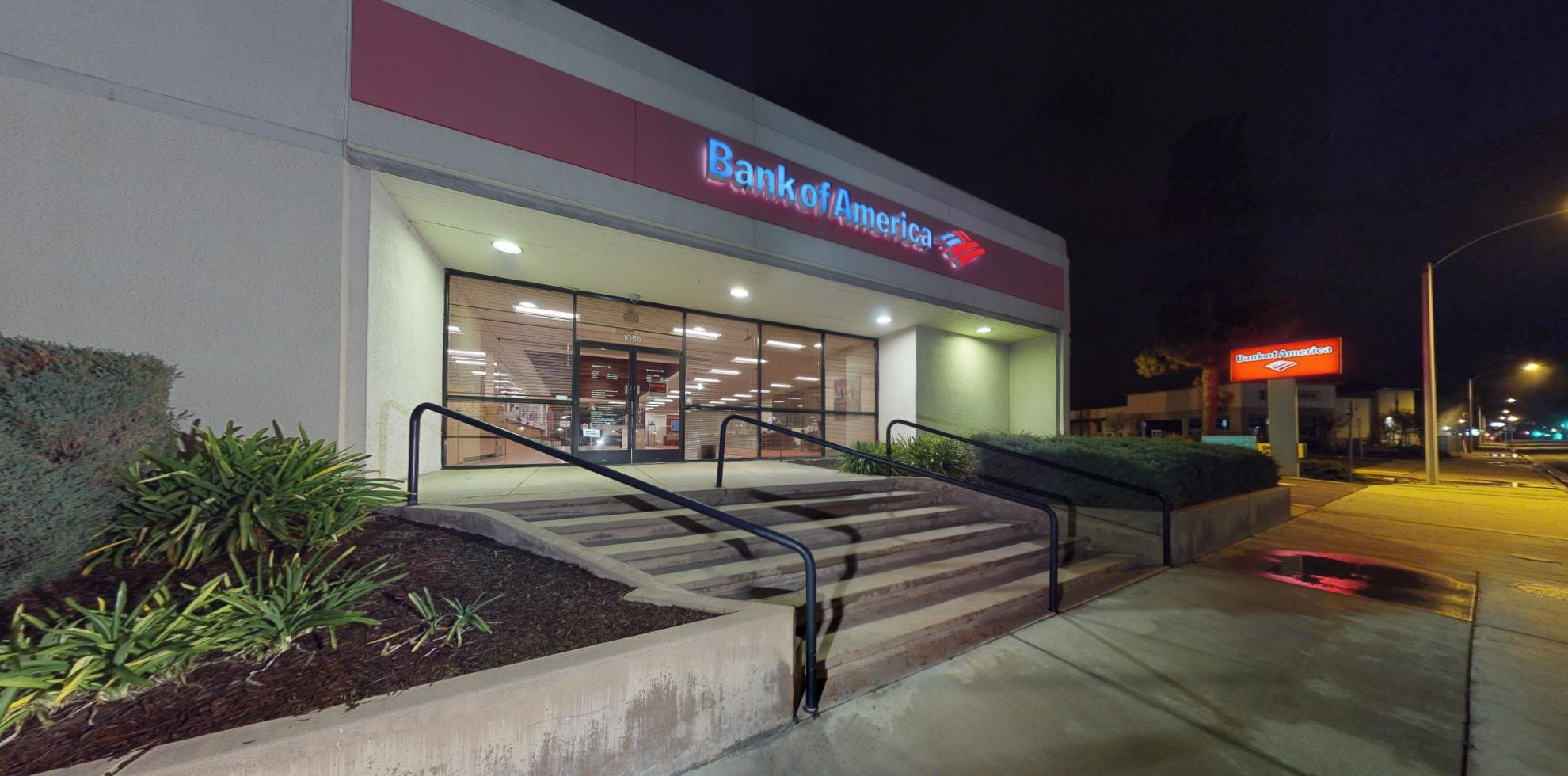 Bank of America financial center with drive-thru ATM | 1055 Calimesa Blvd, Calimesa, CA 92320