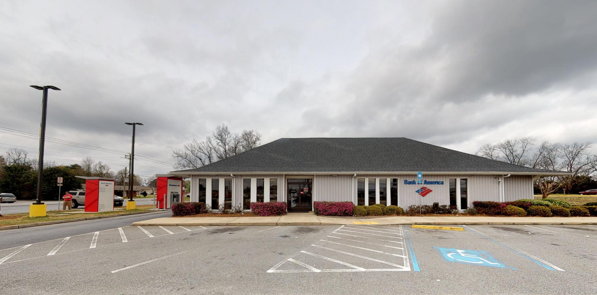Bank of America financial center with drive-thru ATM | 2770 Watson Blvd, Centerville, GA 31028