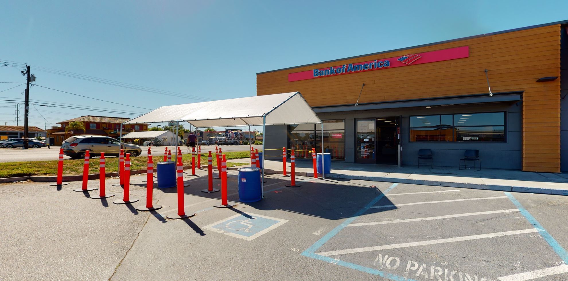 Bank of America financial center with walk-up ATM | 2617 Mitchell Rd, Ceres, CA 95307
