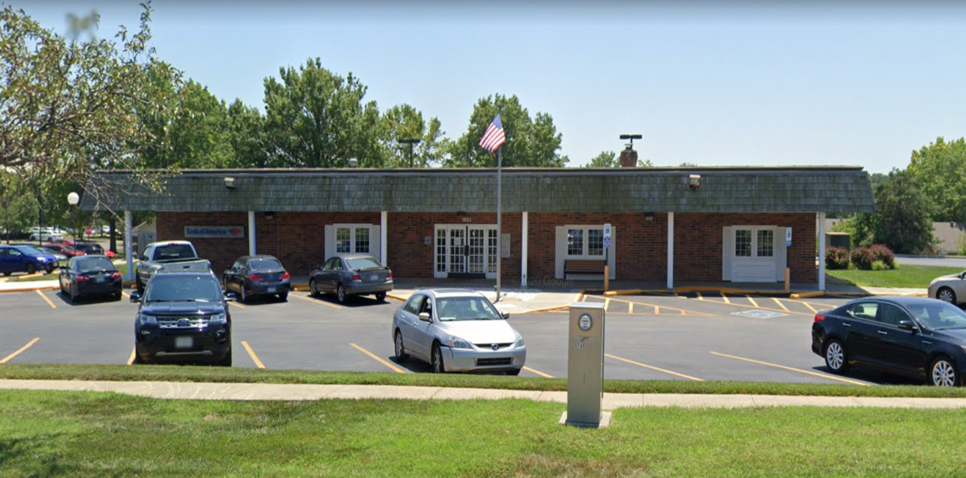 Bank of America financial center with drive-thru ATM | 1801 NW Chipman Rd, Lees Summit, MO 64081